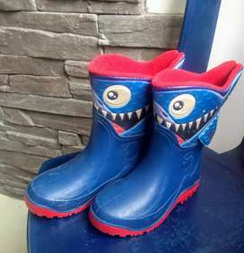 Gangazo botas tiburón bubble gumers