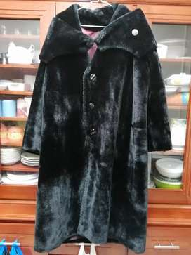 Abrigo piel sintético negro XL