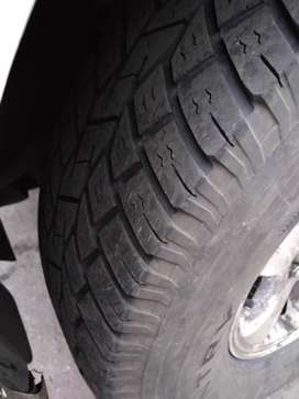 Llantas Camioneta Regrabada 260/75 Rin16