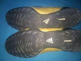 Botines de Messi número 45