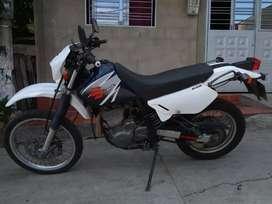 La moto tiene seguro gaces y registro