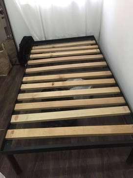 Vendo base de cama en hierro