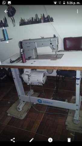 Máquina de coser industrial con motor electrico