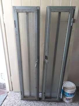 Ventana, ventiluz vertical con apertura y deja en chapa