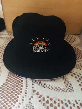 Sombreros reversibles