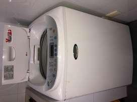 Lavadora LG 11kg con bomba de agua dañada