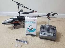 Helicóptero con camara para fotos y video.  Minimo uso