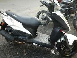 Vendo moto poco uso como nueva