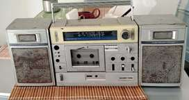 Radio grabadora antiguo Silver japonés