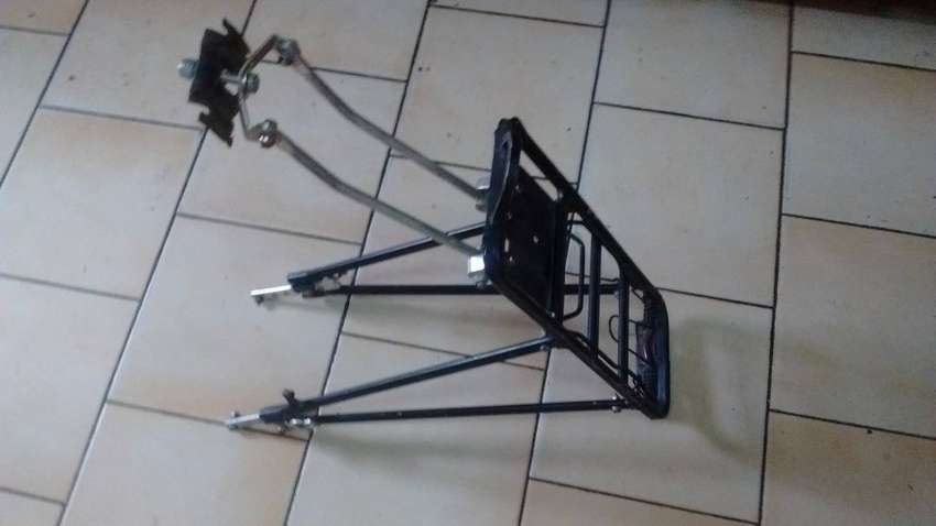 portaequipaje bicicleta reforzado aluminio 0