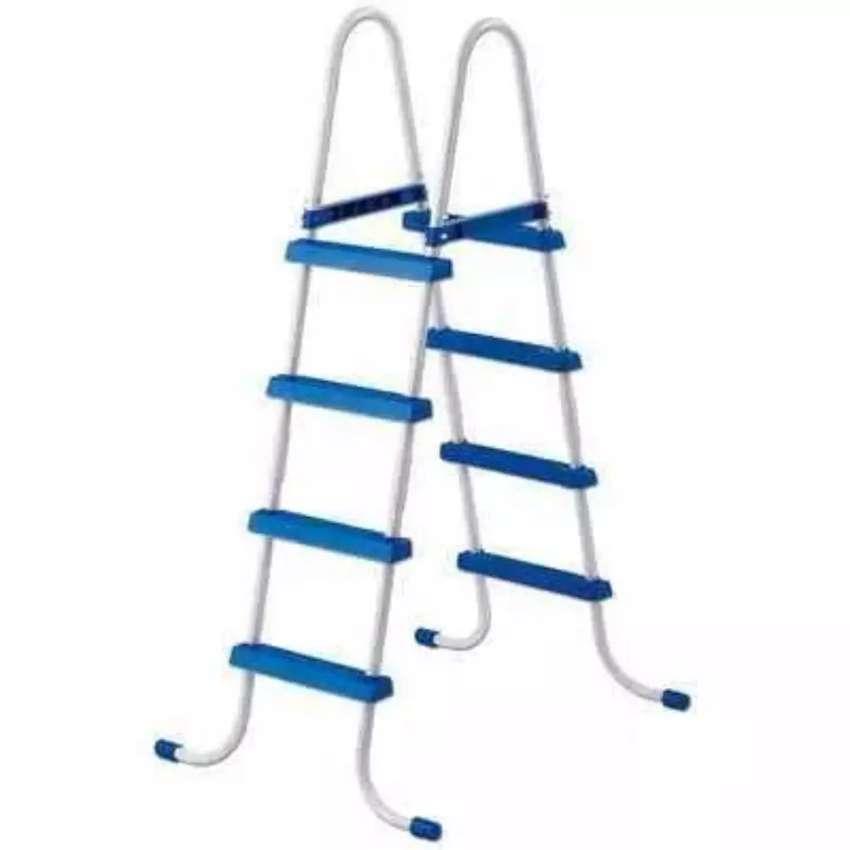 Escalera Alta para Pileta 4 escalones de cada lado 0