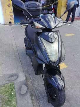 VENDO MOTO BARATA Vendo moto kymco fly 125, automática scooter, modelo 2013, listo para traspaso