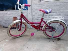 Vendo bici caasi nueva cross topmega pricess R16 fuccia y blanca.