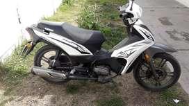Se vende moto kenway targe 125 como nueva titular