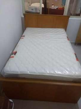 Cama y colchón nuevo