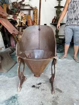 Antiguo botadero o lavadero de hierro fundido