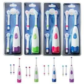 Cepillo eléctrico dental giratorio con 3 cabezales