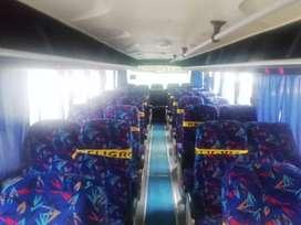 Bus disponible para turismo para baños de agua santa
