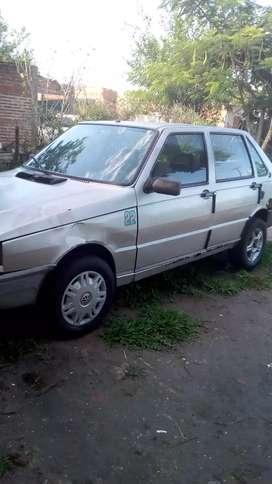 Vendo Fiat duna buen estado título y cedula