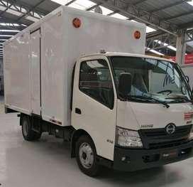 Camión Hino 616 + Furgón - Año 2021