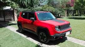 Vendo Jeep Renegade la mas full en impecable estado