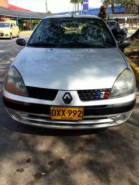 Vendo Renault Clio 2004.
