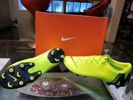 Pupos Nike Mercurial Speed talla 44(10.5) color fosforescente exclusivos semiprofesionales
