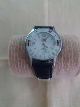 BARATO-Reloj Tommy(NO original) Mujer FUNCIONANDO