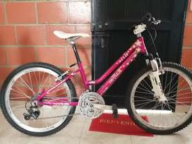 Bicicleta ONTRAIL como nueva