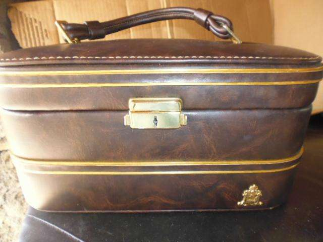 maleta o nesecer antiguo como nuevo