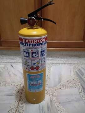 Extintor multiproposito 10 libras. Falta recargar