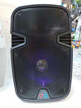 Cabina  8 PULGADAS CORRIENTE DIRECTA Y RECARGABLE USB SD FM AUX CONTROL REMOTO Y MICRÓFONO BLUETOOTH