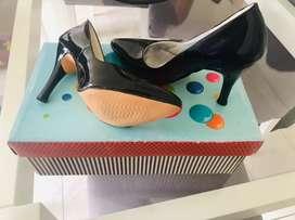 Hermosos zapatos nuevos N 35