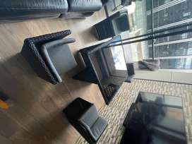 Mesa y sillas para exterior, terraza o balcón en ratan