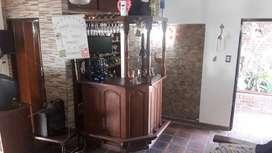 Bar Alto copero Curvo - Esquinero con columnas torneadas Algarrobo maciso Firme