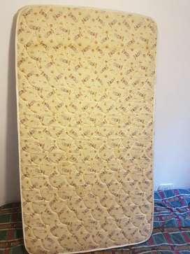 Colchón de 1,40 x 80cm x 11cm de profundidad