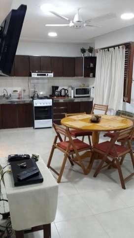 VENDO   departamento de 2 dormitorios CON VISTA AL RIO, zona PARQUE URQUIZA