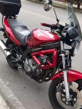 Gangazo, moto casi nueva,accesorios givi,llantas nuevas 100 de 100