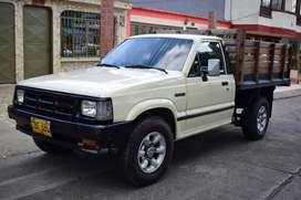 Vendo o Permuto Camioneta Mazda B 2.200