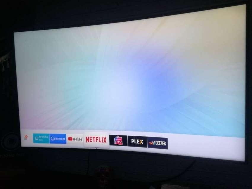Televisor Samsung 4K curvo 55 pulgadas 0