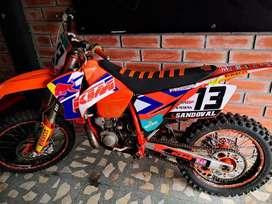 MOTO KTM  SX-F250  2T  2003  EXCELENTE ESTADO!