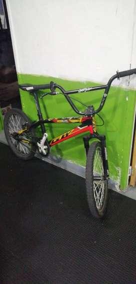 Bicicleta de BMX GW 350.000 cop