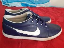 Vendo lindos zapatos nike talla 46