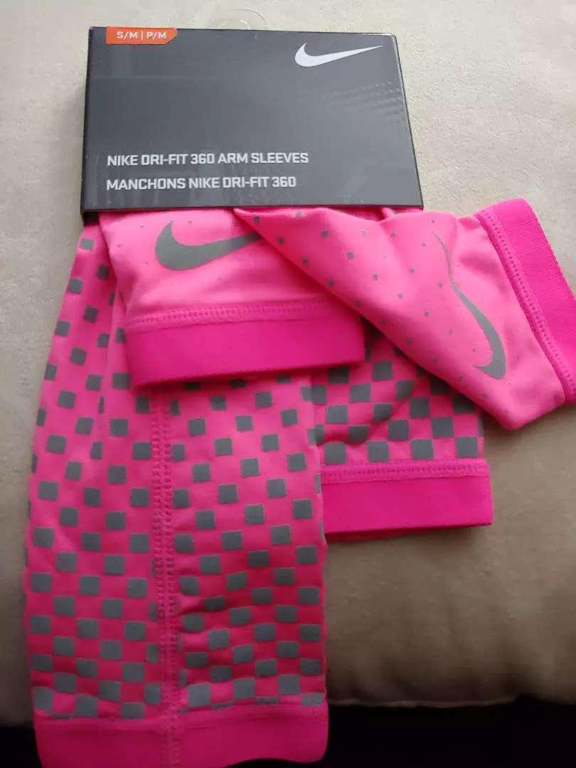 Mangas Nike talla M.  Unico par. Sborja 0