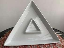 Pasaboquera Triangular en Porcelana