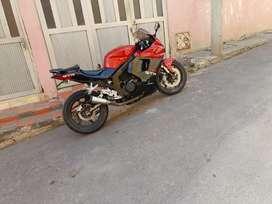 HYOSUNG GT250R FI