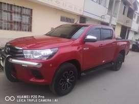 Se vende Toyota hillux 4x2 Sr full