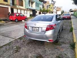 Vendo Toyota Yaris 2014-1015
