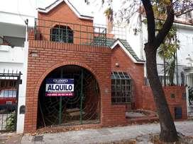 ALQUILO CASA 5 DORM. Bº ROGELIO MARTINEZ - APTO COMERCIAL -