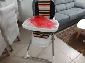 Se vende mesa de comedor para bebe